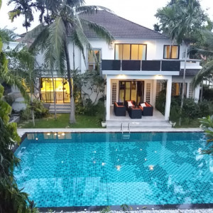 """5 bedrooms villa for sale on Chalong """"Roxy"""""""