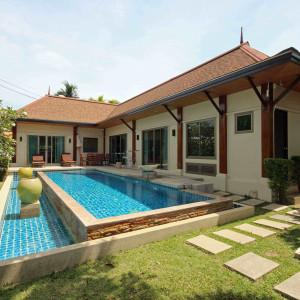 "3 bedrooms villa for sale ""Sara"" Nai Harn beach"