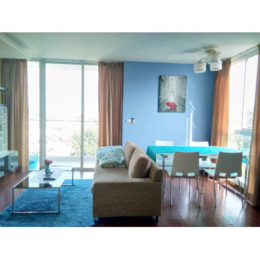 2 bedroom apartment in The Light Condo