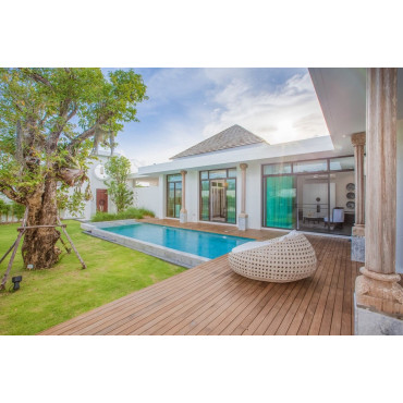 3 bdr new luxury villa in Chalong